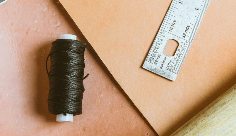 Är du sugen på att köpa läder och börja skapa?